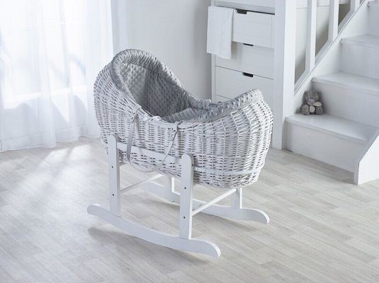 hannah moses basket with bedding