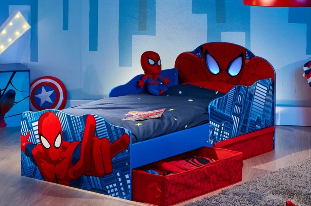 Cool Toddler Beds for Boys: Spiderman, Race Cars and More ...