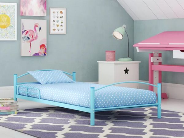 Toddler Metal Bed in Blue