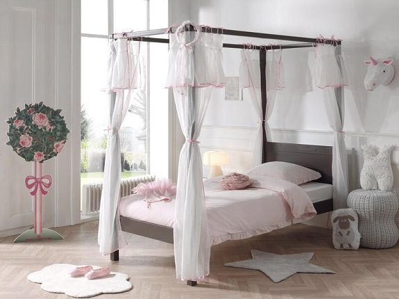 Beale Four Poster Bed with Curtain, by Isabelle & Max